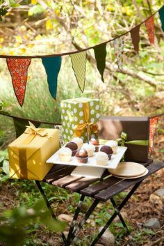 Bella Grace Party Designs: WOW... another Woodland Party!
