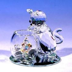 "CRYSTAL WORLD ""Curious Cat"" by Crystal World, http://www.amazon.com/dp/B0014Y5O0W/ref=cm_sw_r_pi_dp_pG-Trb18NVSF4"