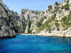 The calanques next to Cassis, sea view @ C'est la vie guide