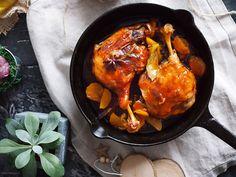 Udka kaczki duszone w soku jabłkowym / Spiced braised duck legs Braised Duck, Gordon Ramsay, Tandoori Chicken, Spices, Meat, Ethnic Recipes