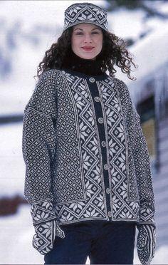 Knee Socks, Women's Socks, Norwegian Knitting, Lace Patterns, Sock Yarn, Needles Sizes, Mittens, Winter Hats, Wool