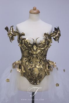 Armors 480829697714720831 - Armure baroque costume by Fairytas Source by ellimizikas Fashion Art, High Fashion, Fashion Show, Fashion Design, Baroque Fashion, Fantasy Costumes, Cosplay Costumes, Mode Baroque, Mode Steampunk