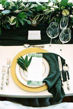 Fall Wedding - Dark Green Bridesmaid Dresses and Gold Wedding Decoration Fall Wedding - Dark Green - Table Settings Gold Wedding Decorations, Wedding Themes, Wedding Centerpieces, Wedding Colors, Themed Weddings, Fall Wedding, Dream Wedding, Boho Wedding, Celtic Wedding