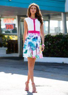Vestido acinturado