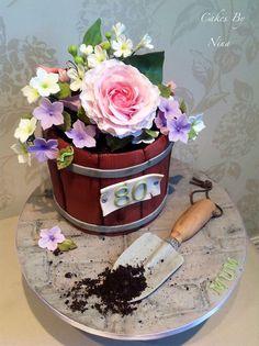 Nice Cake with flowers Cupcake Cake Designs, Cupcake Cakes, Paul Cakes, 65 Birthday Cake, Flower Pot Cake, Garden Cakes, Spring Cake, Cake Shapes, Cakes For Women