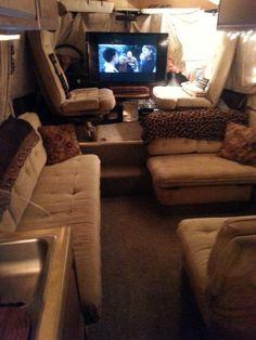 Motorhome Living, Gmc Motorhome, Gmc Motors, Vintage Motorhome, Class B Rv, Ryan Homes, Rv Interior, Remodeled Campers, House On Wheels