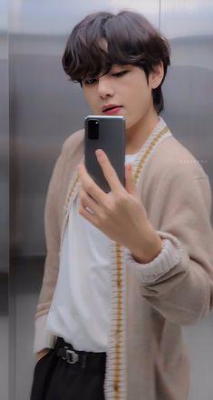 Bts Taehyung, Bts Bangtan Boy, Jimin, Daegu, Kpop, V Bts Cute, Vkook Memes, V Bts Wallpaper, Wallpaper Samsung