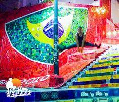 O incrível tempo que passei na Escadaria Selaron do Rio de Janerio!! Go ahead and... JUMP!!!  Photo by @PlanetEmerson  Instagram/Snapchat: @PlanetEmerson   #EscadariaSelaron #RiodeJanerio #brazil #brasileiros #brasil #animado