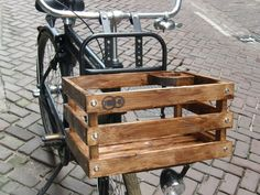 Bicycle crate with cup holder