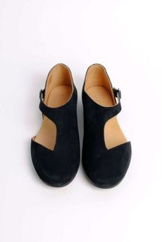 Black cut-out flats by Damir Doma