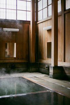 Square stud with stone base. Nozawa Onsen Suki-jo by Claudia Garcia-Mauriño Onsen Japan, Japan Japan, Japanese Bath House, Japanese Sauna, Japanese Bathroom, Interior Architecture, Interior And Exterior, Minimalism Living, Japanese Hot Springs