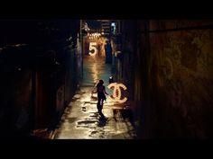 """CHANEL N°5 il nuovo film scritto e diretto da Baz Luhrmann e interpretato da Gisele Bundchen. Qui il teaser da 15"""" in attesa della versione integrale da 3'23 che debutterà sulle reti televisive il 15..."""