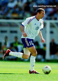 Zinedine Zidane Real Madrid, France, Running, Sports, Gold, Hs Sports, Keep Running, Why I Run, Sport