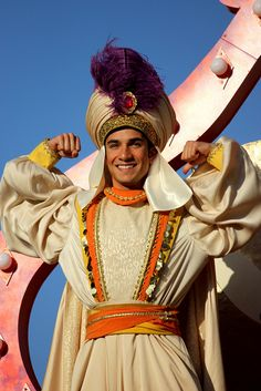 Prince Ali Fabulous He Ali Ababwa! Disney Day, Disney Magic, Disney Parks, Disney Pixar, Aladdin Musical, Aladdin Movie, Aladdin 2016, Disney Cosplay, Disney Costumes