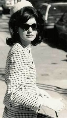 Jackie Onassis attended Miss Porter's School, a prestigious boarding school in Farmington, Connecticut; in addition to its rigorous academics, the school also emphasized proper manners and the art of conversation.