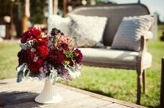 Venue: Elmwood Gardens Photography: Jill and Kay Photography Flowers: La Tee Da Flowers Styling: Kristal Childs Rental Props: Pursuing Eden Home Goods Store, Photography Flowers, Lounges, Primitive, Reception, Gardens, Table Decorations, Home Decor, Decoration Home