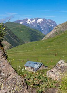 Un week-end aux 2 Alpes : quelles activités choisir ? Rafting, Week End Sportif, Yoga En Plein Air, Ashtanga Yoga, Blog Voyage, Golf Courses, Mountains, Nature, Travel