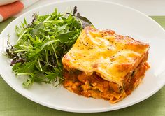 Looking for a new vegetarian dish to bring to the table? Then try our Ratatouille Lasagne! Vegetarian Dinners, Vegetarian Recipes, Healthy Recipes, Free Recipes, Healthy Food, Vegetarian Dish, Food For The Poor, Pumpkin Salad, Ratatouille Recipe