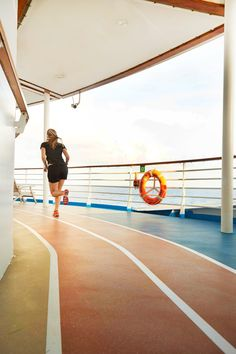 Oasis of the Seas | Get your day started off right with a relaxing morning run along the edge of the open sea.