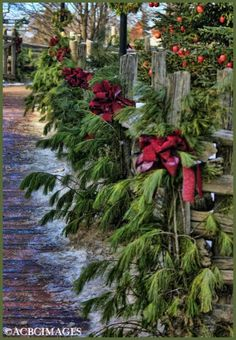 Christmas Mailbox Decoration Greenery | Green Christmas Decorating Ideas: