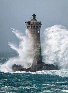 Four Lighthouse – Petra Storm
