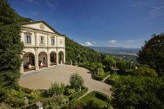 Belmond Villa San Michele is a Wedding Venue in Fiesole, Italy. See photos and contact Belmond Villa San Michele for a tour. Hotels In Tuscany, Tuscany Italy, Sorrento Italy, Italy Italy, Naples Italy, Venice Italy, Tuscany Homes, Florence Hotels, Florence Italy