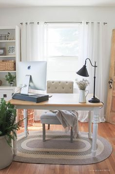 Don't think you have the extra space for a home office? you are trying to squeeze in a small desk or a fully loaded workspace, these ideas will. home office decor ideas Try These 27 Ways to Create a Surprisingly Stylish Small Home Office Small Home Office Furniture, Cozy Home Office, Cosy Home, Office Lounge, Home Office Space, Home Office Desks, Stylish Office, Office Setup, Office Workspace