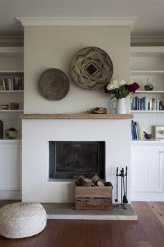 wood mantle, et la cheminée n'est pas à même le sol