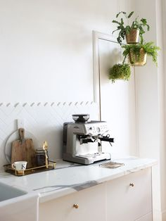 You haven't lived in Glasgow until you've pulled your own espresso shot with beans you picked up from the café next door. What do you do to when you Airbnb? Click the link in our bio to explore all the Airbnb's in Glasgow Photo cred: by airbnb Texas Hill Country, Kitchen Interior, Kitchen Design, Sweet Home Alabama, Interior Decorating, Interior Design, Quites, Kitchen Organization, Land Scape