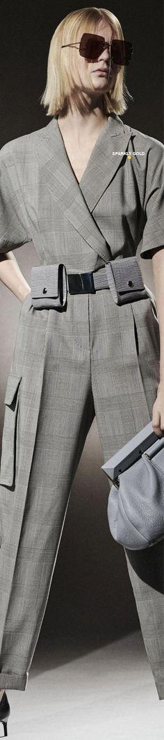 Max Mara Pre-Fall 2021 Max Mara, Feminine, Couture, Fall, Pants, Clothes, Style, Fashion, Winter