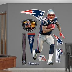 Aaron Hernandez I want this @amber do you think Raymond will let me but this on my side of the bedroom??