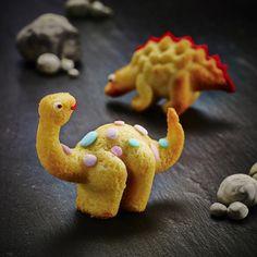 Bake Off Time! Best #baking products for children.  #BabyCentre Blog