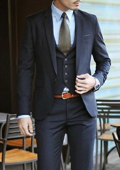 Classic Three piece suit with a touch of rich orange thin belt- The definition of dapper Suit Fashion, Look Fashion, Mens Fashion, Fashion Menswear, Latest Fashion, Fashion Tips, Fashion Trends, Three Piece Suit, 3 Piece Suits