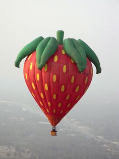 The Strawberry symbolizes perfection & righteousness and also represents Venus, the goddess of love. Balloon Lanterns, Love Balloon, Helium Balloons, Air Balloon Rides, Hot Air Balloon, Albuquerque Balloon Festival, Strawberry Pictures, Balloons Galore, Balloon Pictures