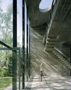 Hermann Rosa's Sculpture Studio. Munich, 1968. Photos (C) Jürg Zimmermann. Let the light in!