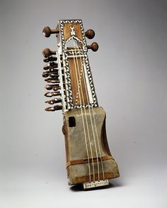 Sarangi - Chordophone - Lute from India circa Made of wood, parchment, Ivory, gut, metal. Sound Of Music, Kinds Of Music, Indian Musical Instruments, Homemade Instruments, Folk Music, Indie Music, Music Music, Classical Music, Metropolitan Museum