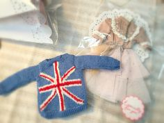 #jiajiadoll #blythe #momoko #jerryberry #yosd #msd #sd #handmade #dollclothes #dorandoran #pullip   Union Jack sweater and hand embroidered dress