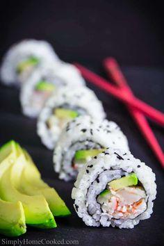 Diy Sushi, Homemade Sushi, Sushi Sushi, Sushi Ideas, Sushi Lunch, Sushi Night, Shrimp Tempura Sushi, Fried Shrimp, Shrimp Sushi Rolls