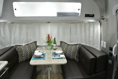 Dinette Airstream International 19-foot