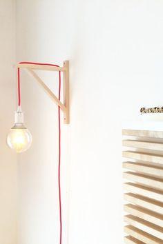 11 einfache Ikea-Hacks im Skandi-Stil | Foto von Mitglied Designtanke #SoLebIch #diy #diynstag #ikea #ikeahack #hack #ekbyvalter #ekby #valter #konsole #leuchte #light #interior #interiorhack #interiordesign #scandinaviandesign #scandi #skandi #scandinavianinterior