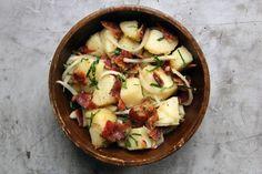 Salata germana de cartofi - Foodstory.stirileprotv.ro