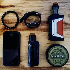 The GeekVape Aegis Solo Starter Kit is an upgraded single 18650 mod with dustproof, shockproof, and waterproof design for extreme durability, deploying the advanced AS Chipset and pairing the popular Cerberus Tank for an incredible Sub Ohm vaping. Vape Diy, Vape Design, Vape Shop Online, Filling System, Glass Replacement, Vaping, Starter Kit, Smoking, Black