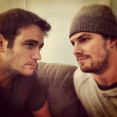 Colin Donnell (Tommy Merlyn) & Stephen Amell (Oliver Queen) on the set of Arrow.