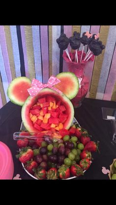 Minnie Mouse fruit for Bella's bday #minniemouse