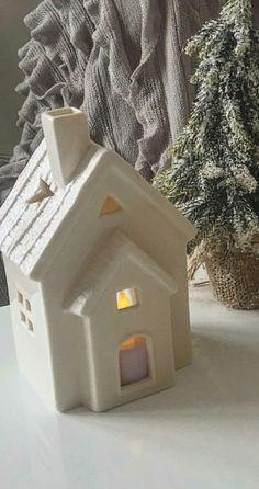 Nordic Christmas, White Christmas, Xmas, Clay Houses, Ceramic Houses, Homemade Christmas, Christmas Crafts, Christmas Decorations, Tiny Little Houses