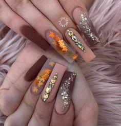 Más ideas de uñas decoradas para este otoño en Trucos Trucos #Nails #Uñas #Manicura Bling Acrylic Nails, Aycrlic Nails, Best Acrylic Nails, Dope Nails, Rhinestone Nails, Red Nails, Hair And Nails, Nail Swag, Cute Nails For Fall