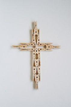 DIY CLOTHESPIN : DIY Clothespin Cross