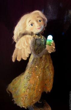 """Купить Войлочная кукла """"Освещая путь"""" - авторская кукла, ангел-хранитель, белый, кукла из шерсти"""