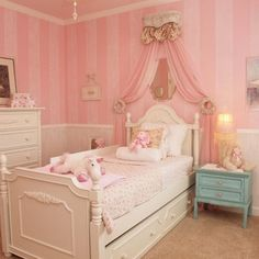Girls Rooms Design- Reminds me of Eloise at the Plaza!