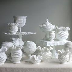 Fenton Glassware, Fenton Milk Glass, Milk Glass Vase, Vintage Glassware, Milk Glass Cake Stand, Milk Cake, Vase Deco, White Vases, Antique Glass